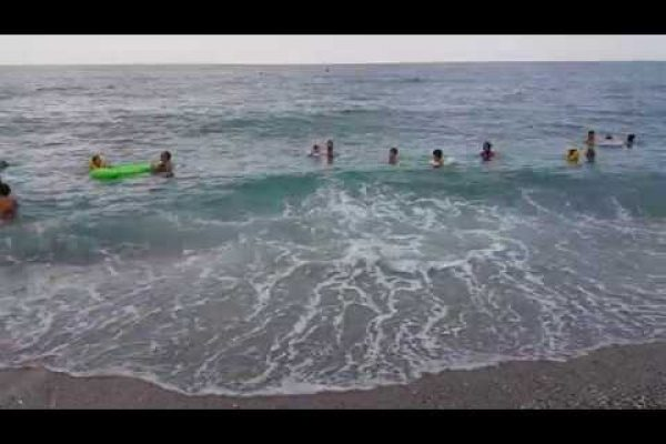 11 Minutes – by the sea, real – sea, wave and human voices – Best ASMR and relaxing video
